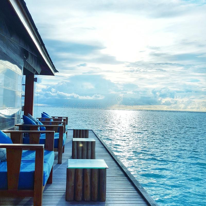 Água Café de Maldivas foto de stock