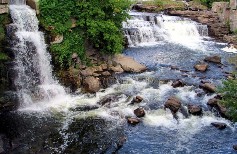 A água cai com sua opinião natural imagem de stock royalty free