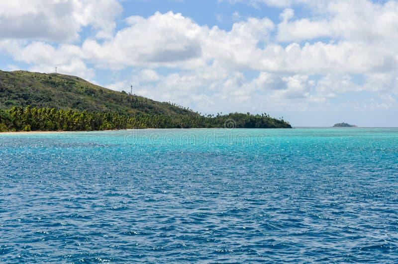 Download Água Colorida Perto Da Ilha De Nacula Em Fiji Imagem de Stock - Imagem de praia, tropical: 80100721