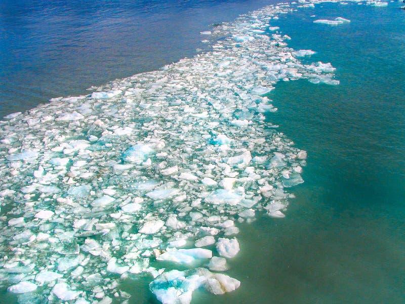 Água congelada Alaska da banquisa de gelo fotos de stock royalty free