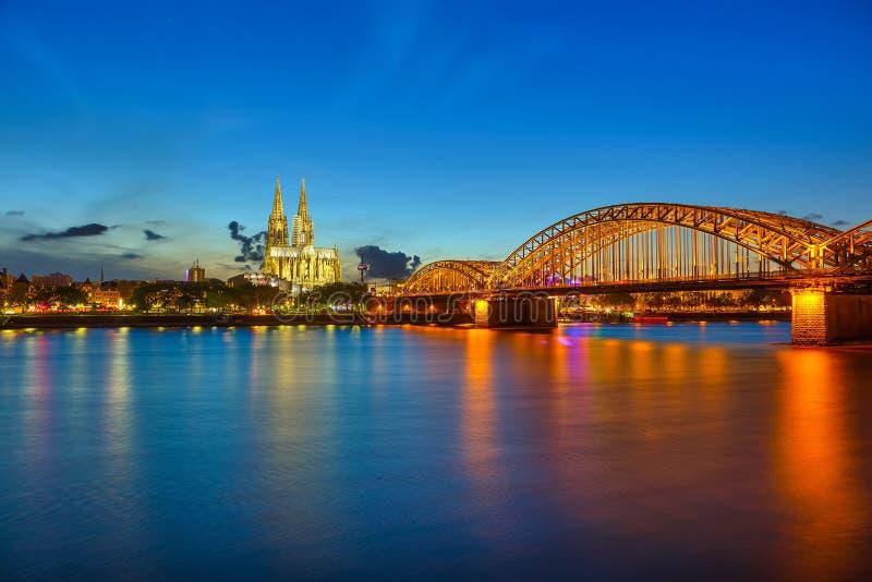 Água de Colônia na noite imagem de stock royalty free