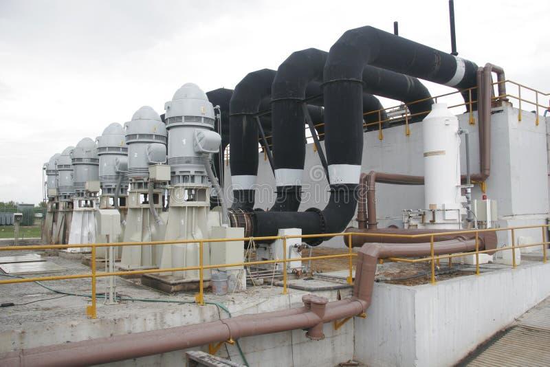 Água de esgoto da fábrica de tratamento foto de stock royalty free