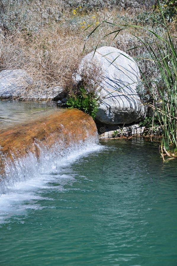 Água de queda imagens de stock