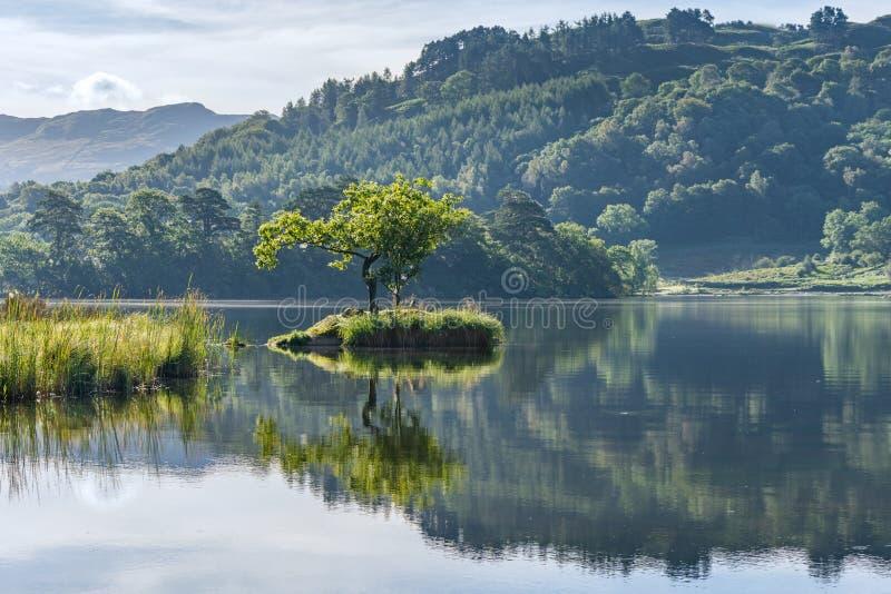 Água de Rydal, distrito do lago, Reino Unido fotos de stock