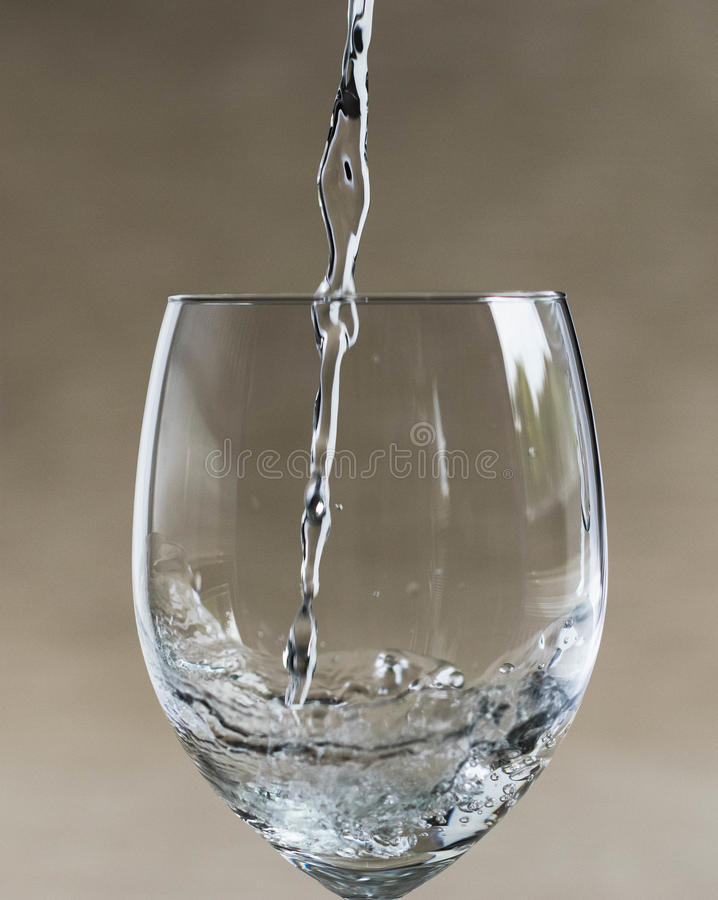 A água derrama fotografia de stock royalty free