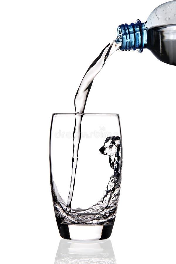 A água derramou no vidro. foto de stock royalty free