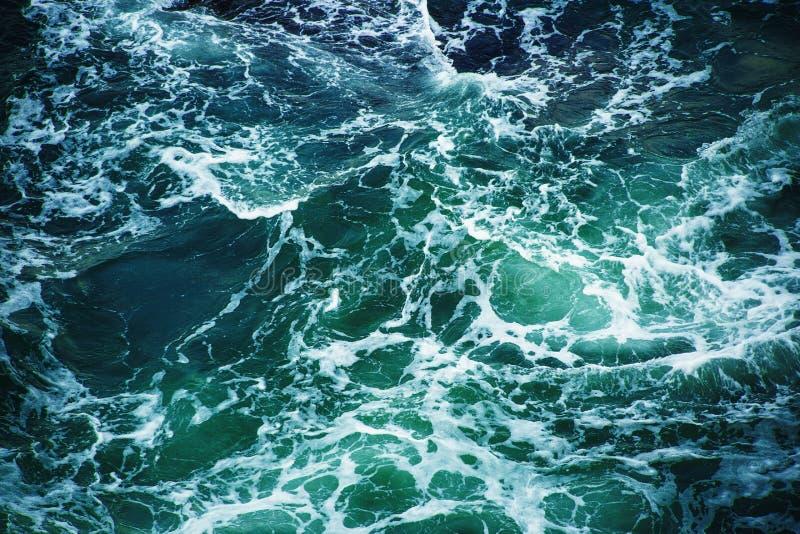 Água do mar abstrata de turquesa do respingo foto de stock royalty free