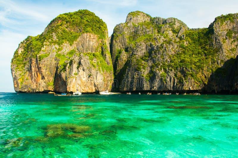 Água do mar pura próximo a Maya Bay Beach tropical bonita, Koh Phi Phi, Tailândia fotografia de stock