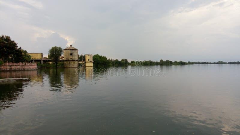Água do rio vítreo imagens de stock