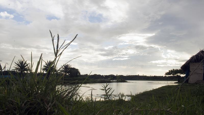 Água e céu bonito fotografia de stock