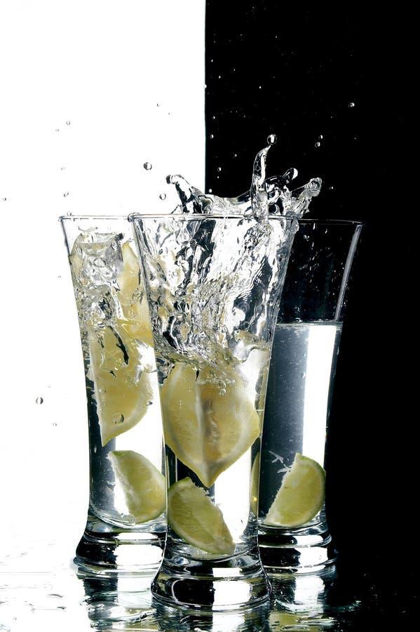 Água e limão imagem de stock royalty free
