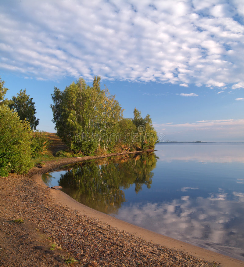 Água e nuvens imagens de stock