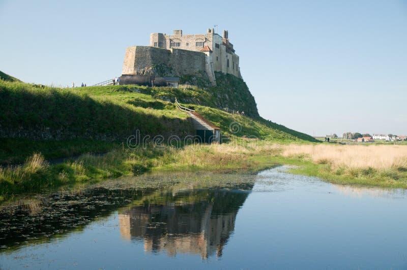 Água e o castelo imagem de stock