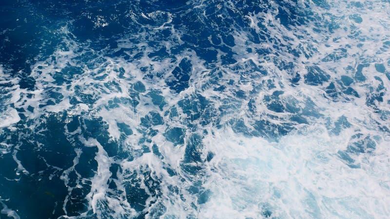 Água espumoso do oceano, vista superior do oceano imagens de stock