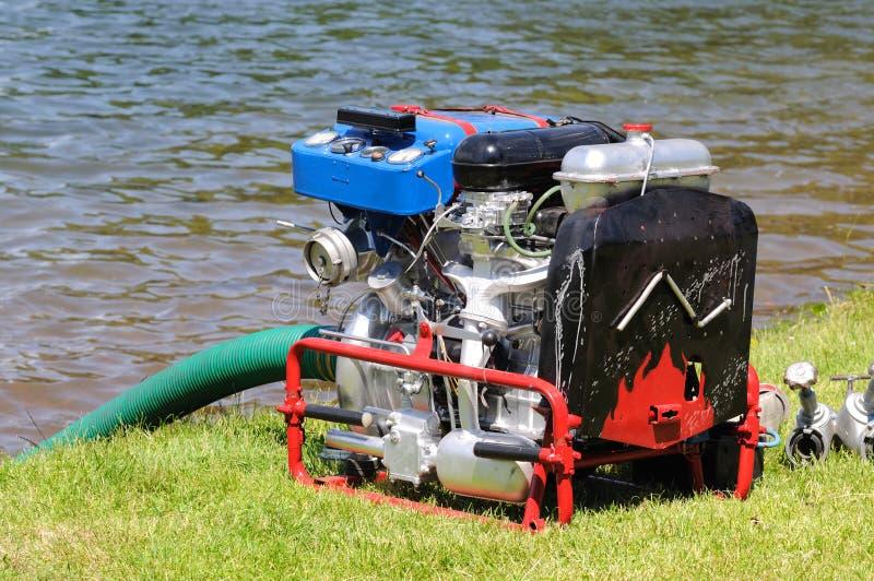 Água móvel da bomba de incêndio imagens de stock royalty free