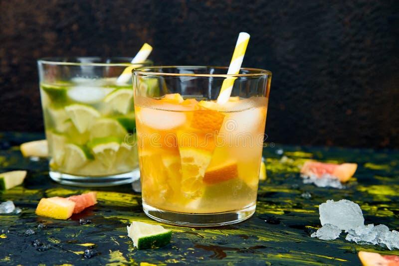 Água ou limonada saudável do citrino da desintoxicação imagens de stock royalty free