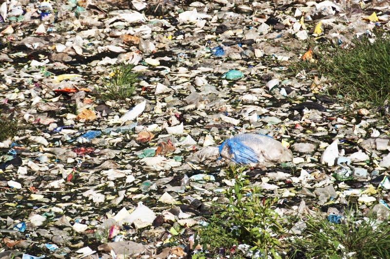 Água plástica do lixo imagens de stock royalty free