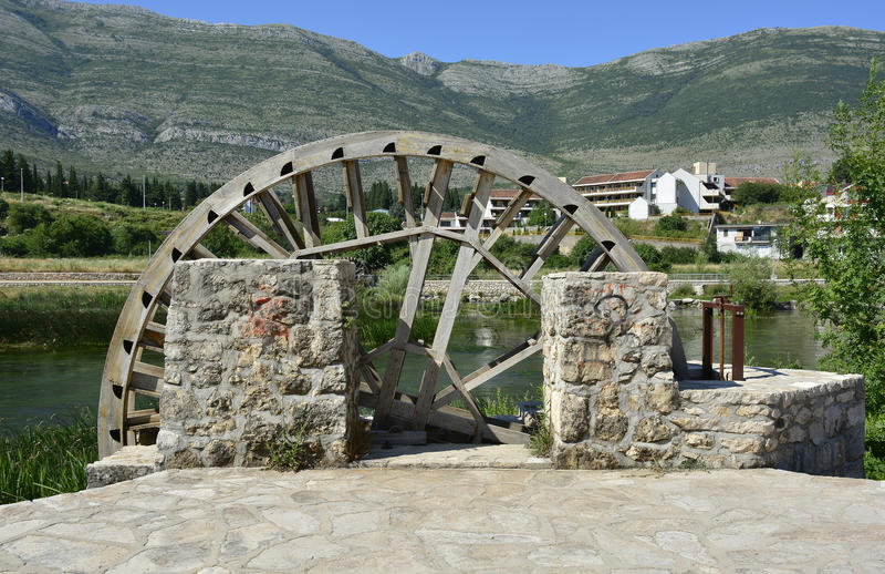A água roda dentro Trebinje imagem de stock