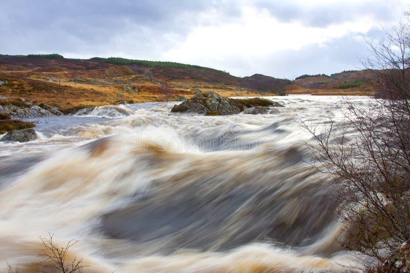A água tempestuoso em Rannoch amarra fotos de stock