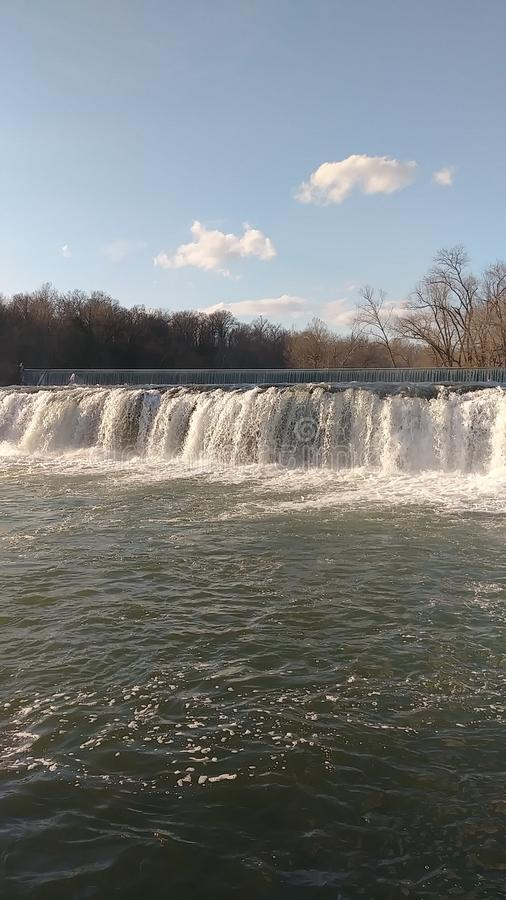 Águas de mola por Christina Farino Waterfall na mola Joplin imagens de stock