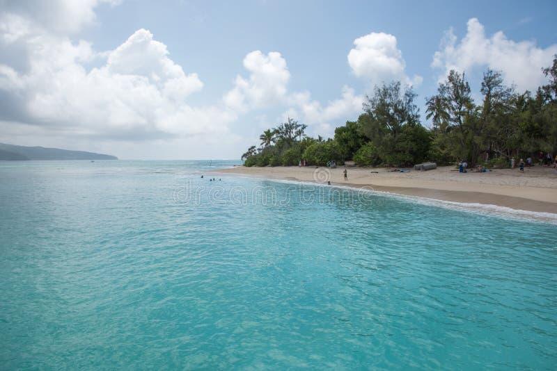 Águas de turquesa na ilha do mistério fotografia de stock