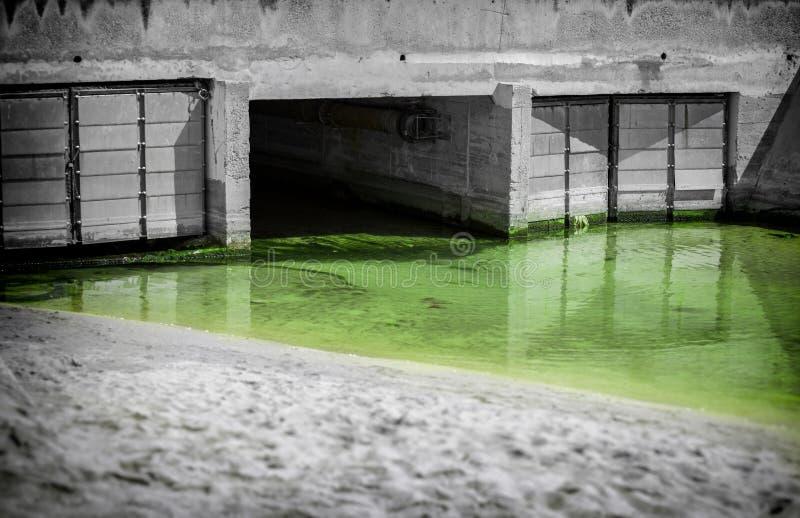 Águas residuais urbanas imagem de stock