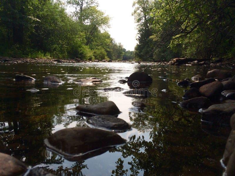 Águas rochosas fotos de stock