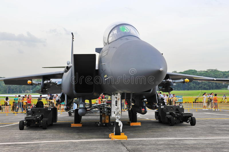 Águia da batida de RSAF F-15SG no indicador foto de stock royalty free