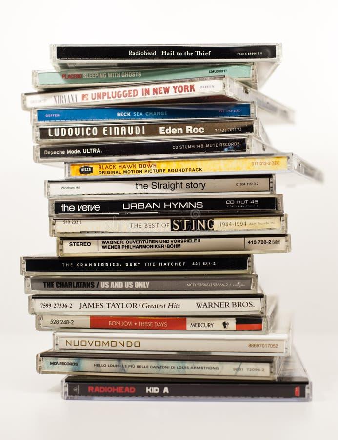 Álbuns da música no CD imagens de stock