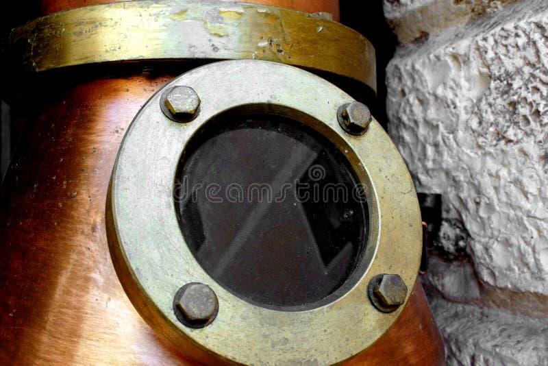 Álcool destilando imagem de stock