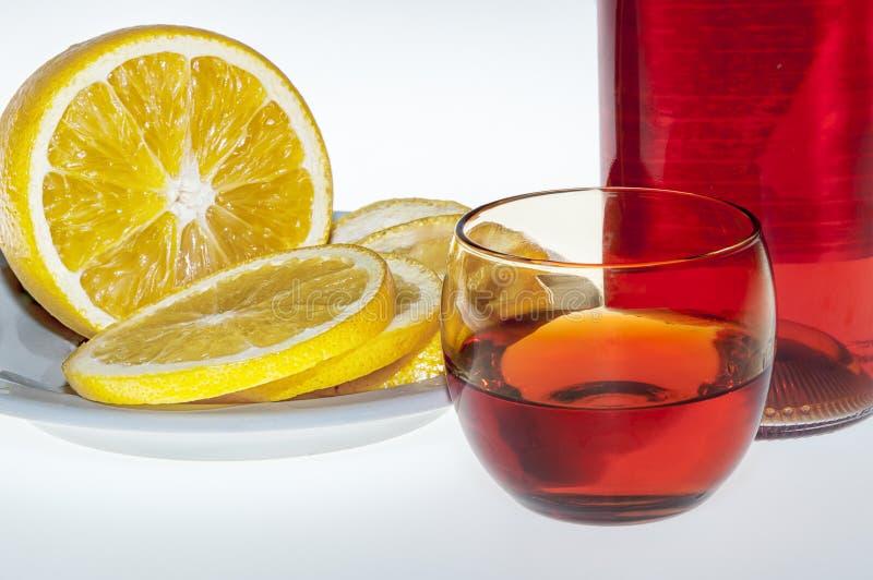 Álcool e laranja da bebida foto de stock