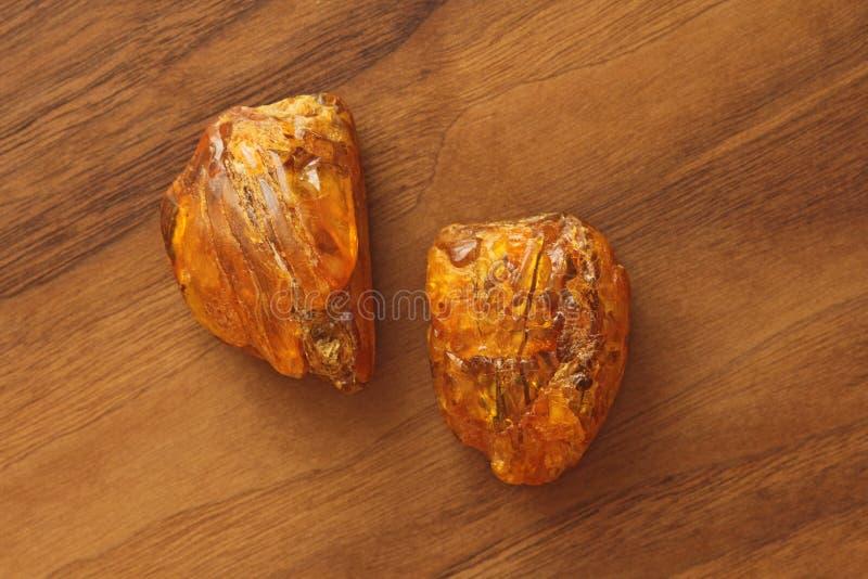 Ámbar de piedra mineral natural sin procesar crudo ambarino, una colección fotos de archivo libres de regalías