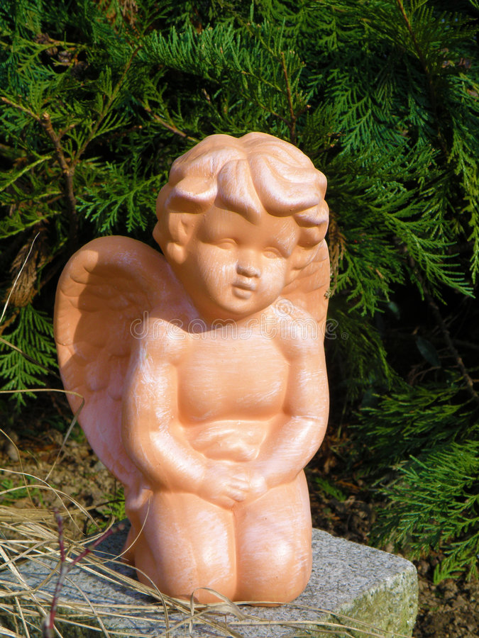 Ángel del jardín imágenes de archivo libres de regalías