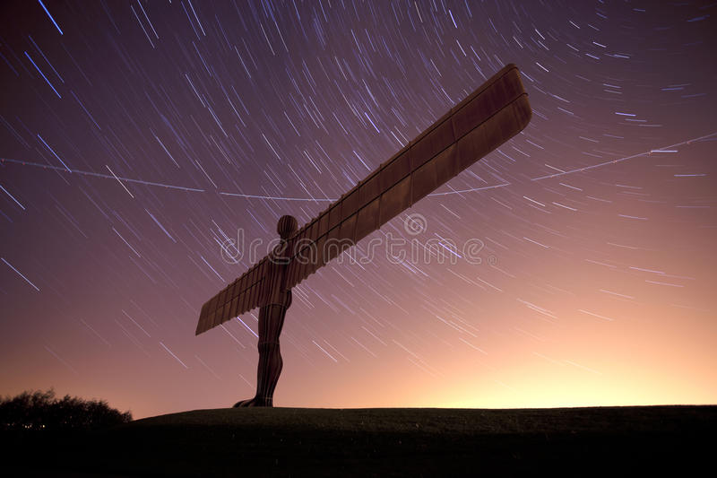 Ángel del norte en la noche imagen de archivo libre de regalías