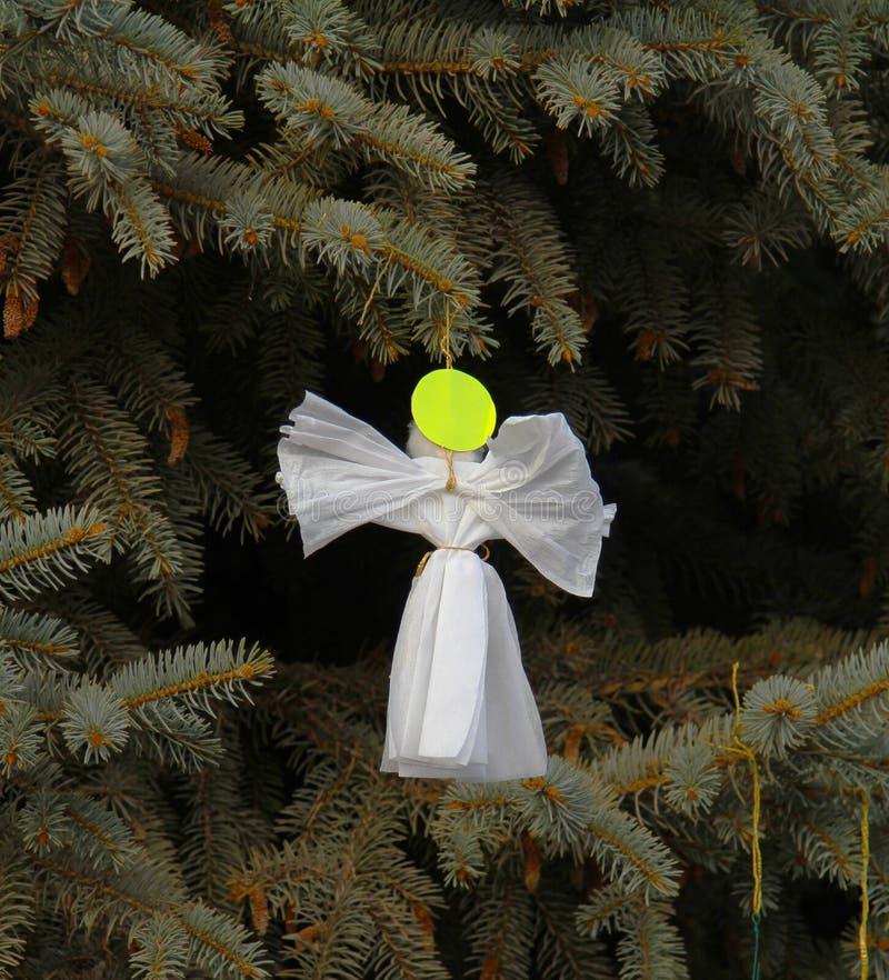 Ángel hecho a mano de la decoración de la Navidad del papel fotos de archivo