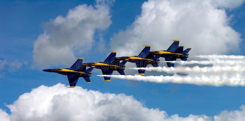 Ángeles azules en las nubes imagen de archivo libre de regalías