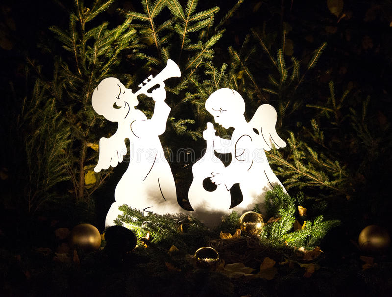 Ángeles en la decoración de la Navidad fotografía de archivo