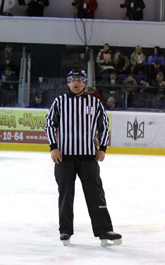 árbitro del Hielo-hockey imagen de archivo