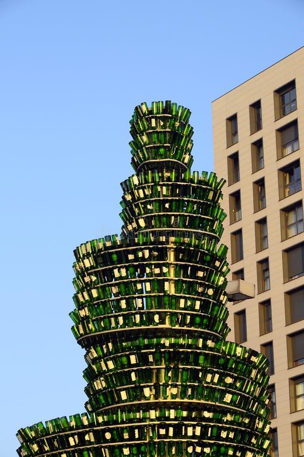 Árbol de la cerveza en Gijón, España fotos de archivo
