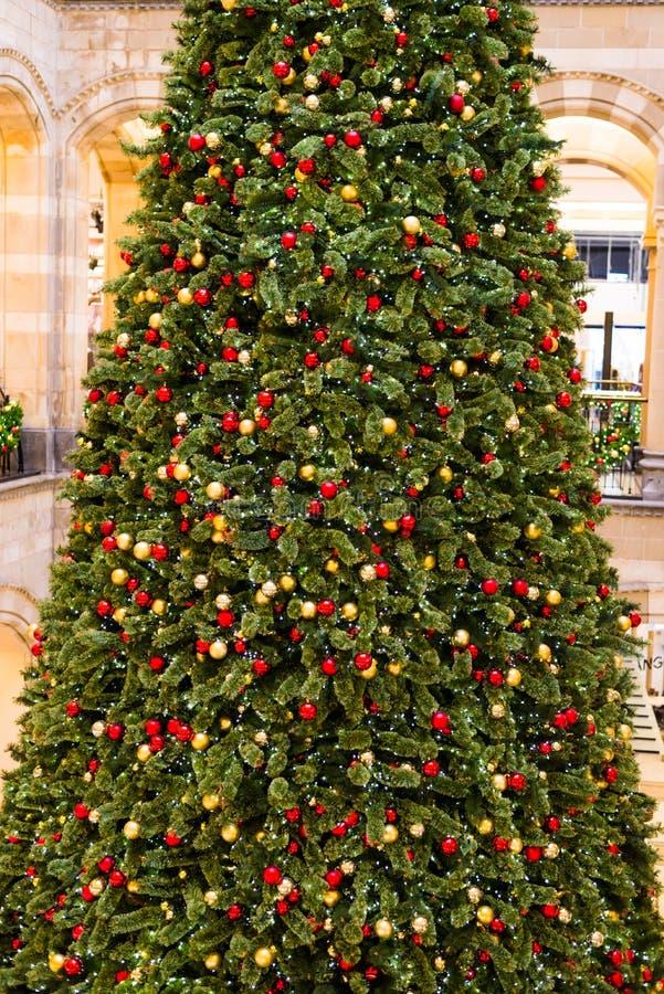 Download Árbol de navidad foto de archivo. Imagen de casero, árbol - 64212582