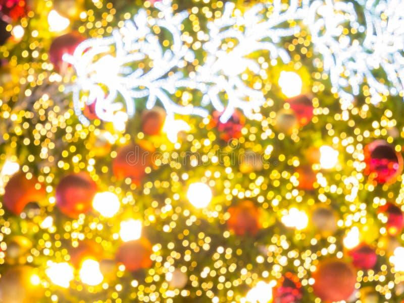 Árbol de navidad artificial del pino foto de archivo