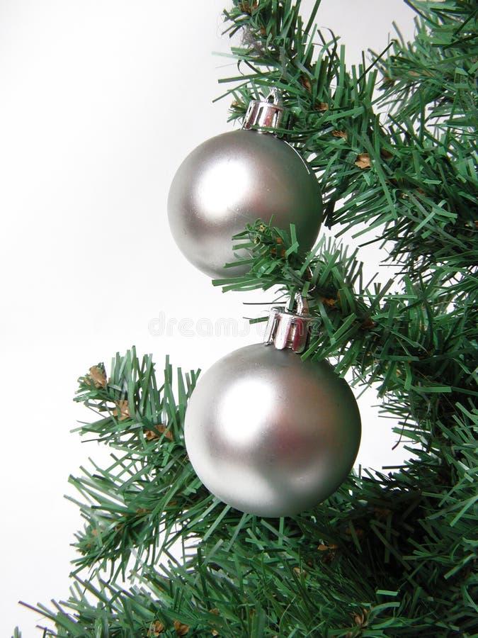 Árbol de navidad con las bolas imagen de archivo libre de regalías