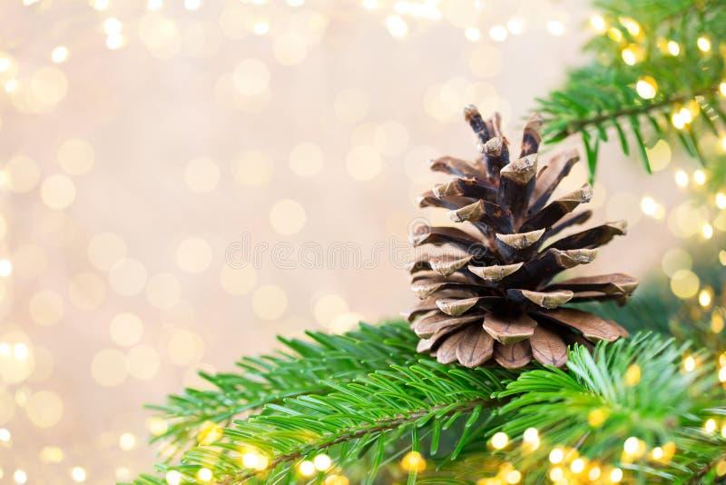 Árbol de navidad el fondo del bokeh Fondos de la tarjeta de felicitación de la Navidad foto de archivo libre de regalías