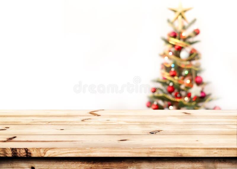 Árbol de navidad y bokeh ligero borroso imágenes de archivo libres de regalías