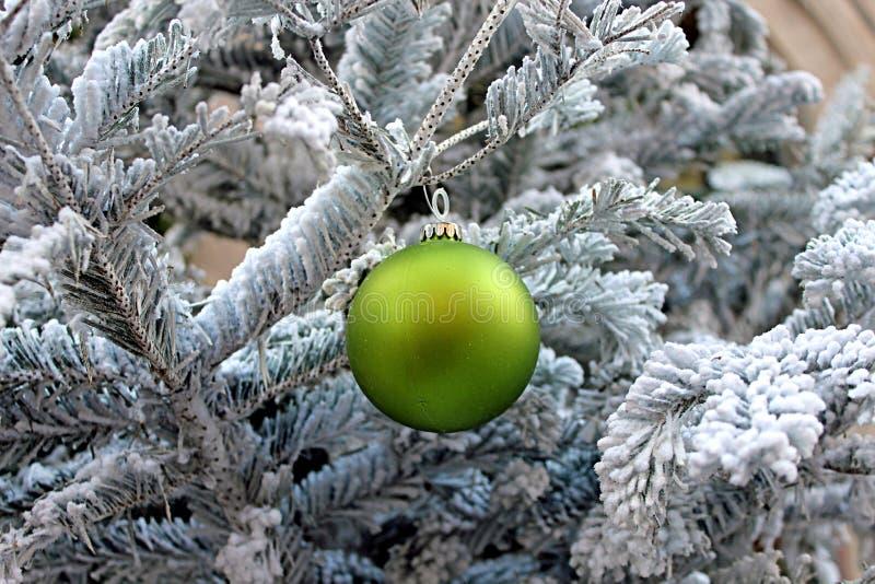 Árbol de navidad y decoración fotografía de archivo libre de regalías