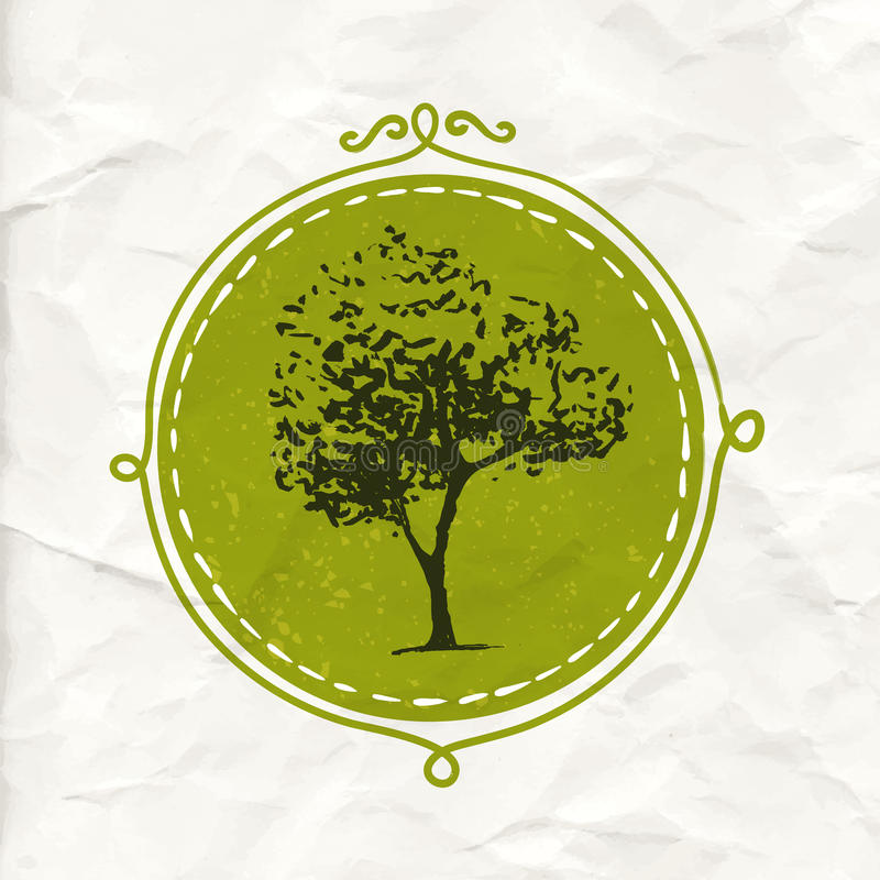 Árbol dibujado mano en insignia del círculo Etiqueta amistosa y orgánica de Eco del producto Emblema de la naturaleza del vector libre illustration