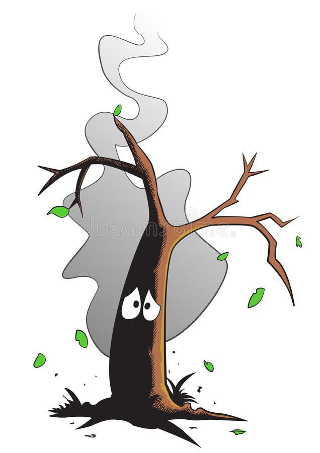 Árbol quemado triste que fuma después de un incendio forestal foto de archivo