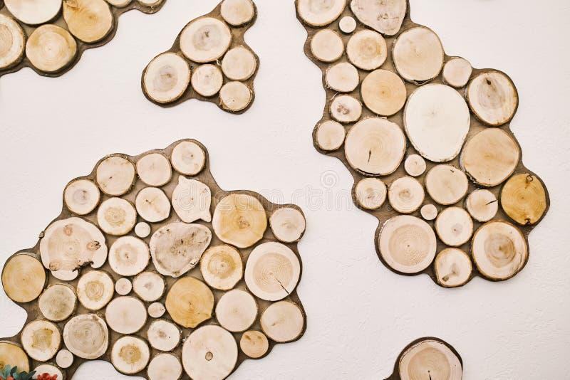 Árbol redondo de las cabañas de madera Extracto imágenes de archivo libres de regalías