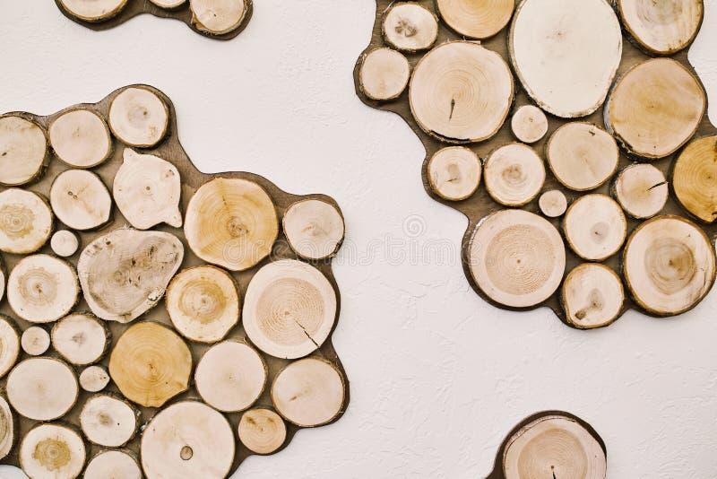 Árbol redondo de las cabañas de madera Extracto imagen de archivo libre de regalías