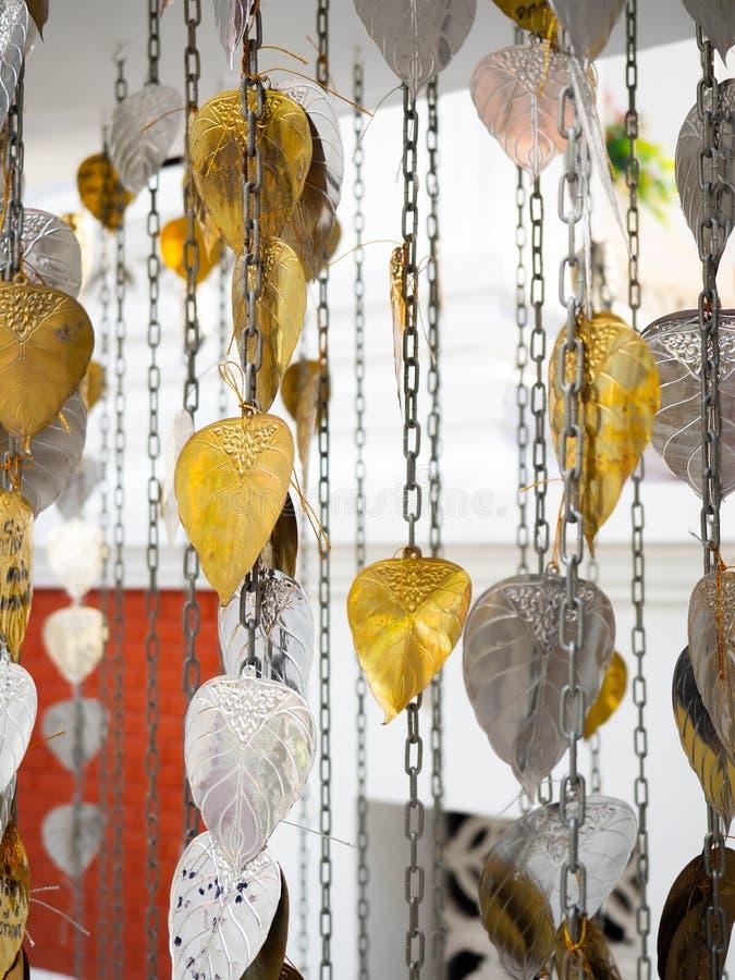 Árbol sagrado del oro de Bodhi y de la hoja de plata para el budista de Hindus foto de archivo libre de regalías